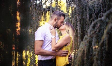 Photographe professionnelle séance photo couple à Besançon