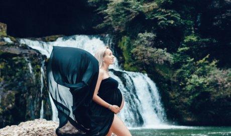 Tails Photographie photographe professionnelle séance photo grossesse avec voilage à Besançon