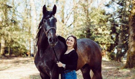 Photographe professionnelle séance photo avec chevaux à Besançon
