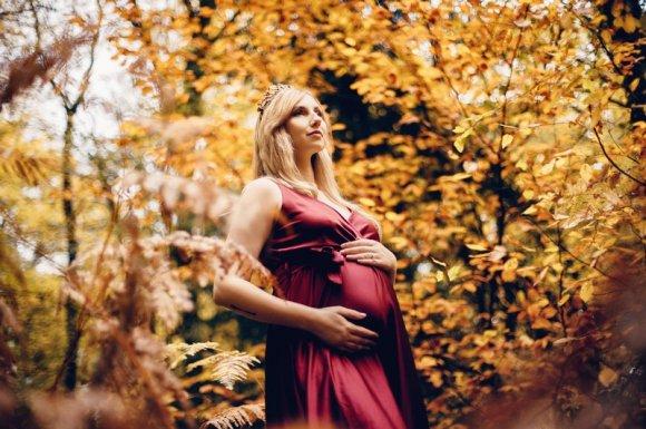 Séance photo de grossesse seule et en couple Besançon