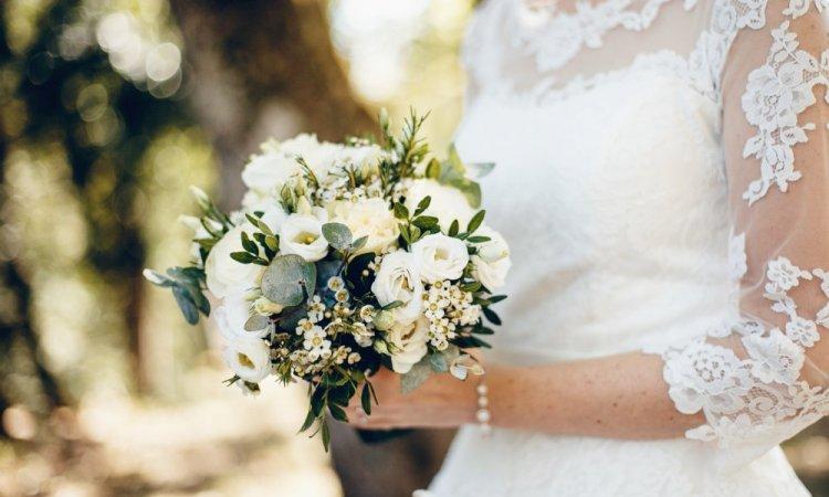 Photographe professionnelle reportage mariage à Saône près de Besançon