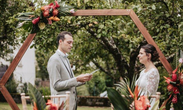 Photographe professionnelle mariage en petit comité à Besançon
