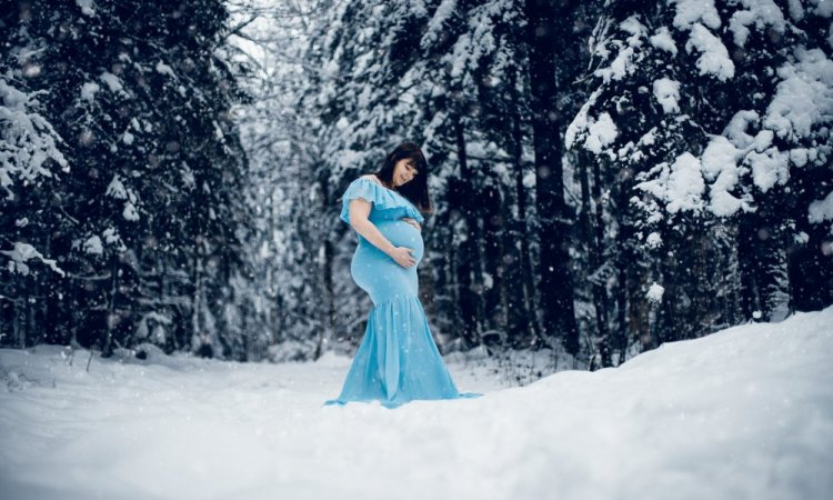 Shooting grossesse hivernal à Pontarlier