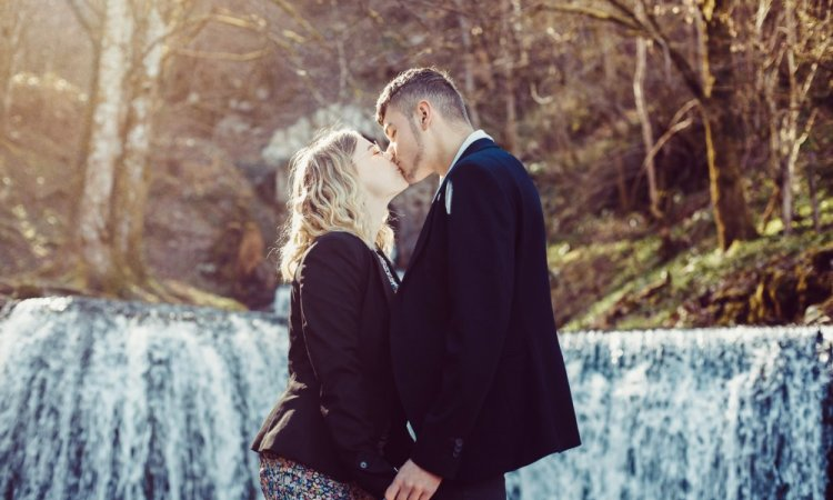 Shooting photo couple en pleine nature