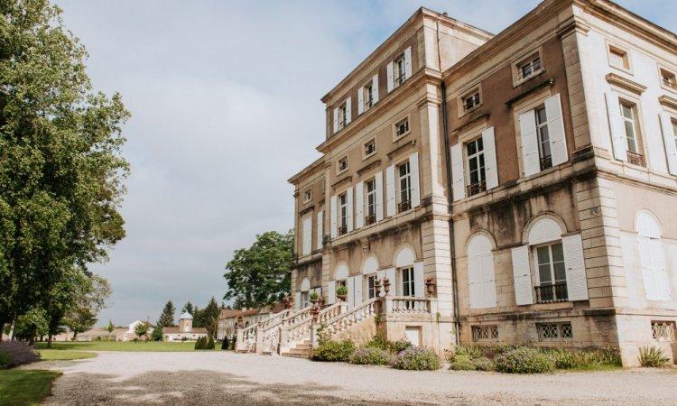 Préparations des mariés au Château de Trouhans près de Dijon